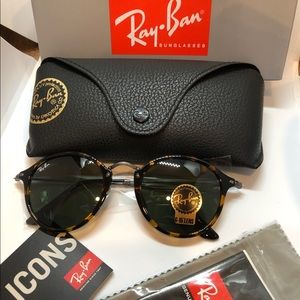 New Authentic Ray-Ban Round Fleck RB2447